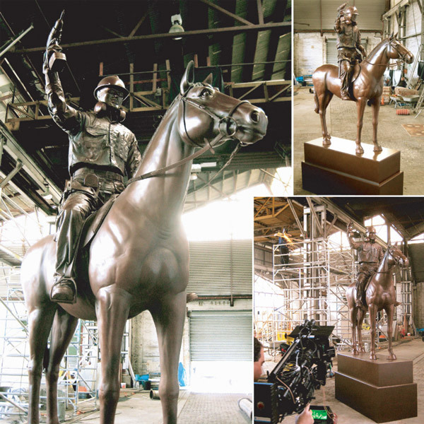 King-Gee-TV-commercial-Bronze horse