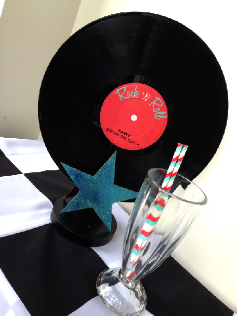 CEN0014 CENTREPIECE - Record on Stand w Star & Milkshake $15