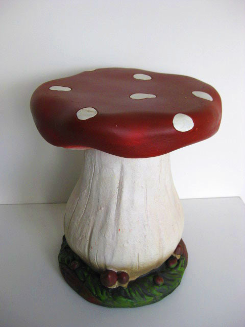 TOA0002 TOADSTOOL, Plaster 33cm High $15