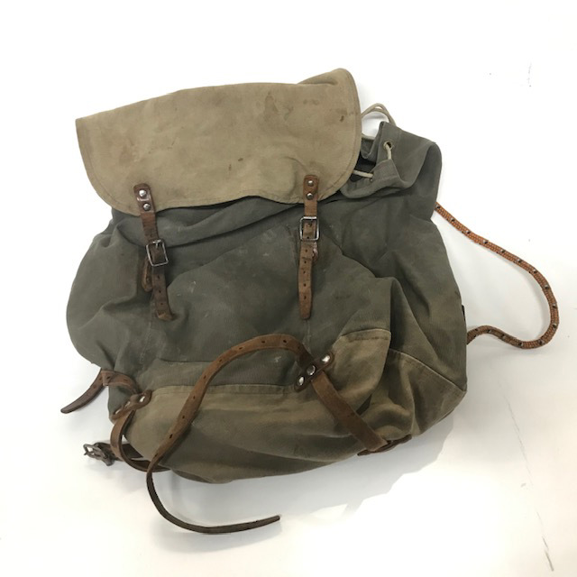 BAS0103 BACKPACK, Khaki jute w Leather Straps $18.75