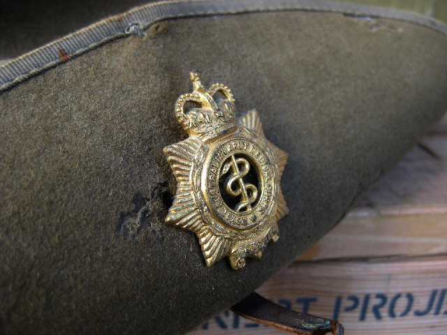 Slouch Hat Badge Detail