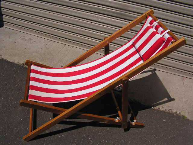 CHA0710 CHAIR, Deck Chair - Red & White, Dark Timber Frame $18.75