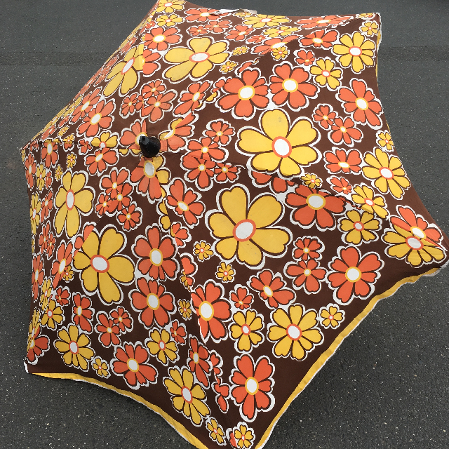 UMB0130 Umbrella, Beach - 1970s floral, brown and yellow with fringe $22.50