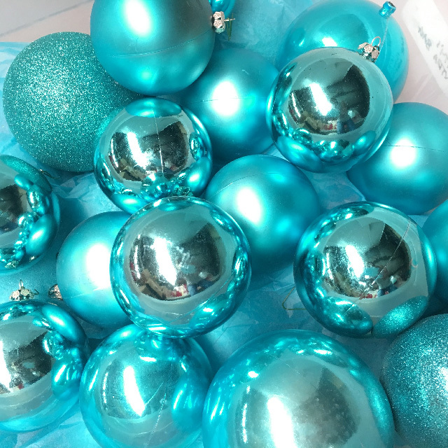 BAU0002 BAUBLE, Aqua Blue (Box Lot) $25