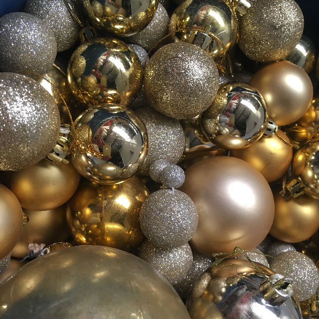 BAU0007 BAUBLE, Gold (Box Lot) $25