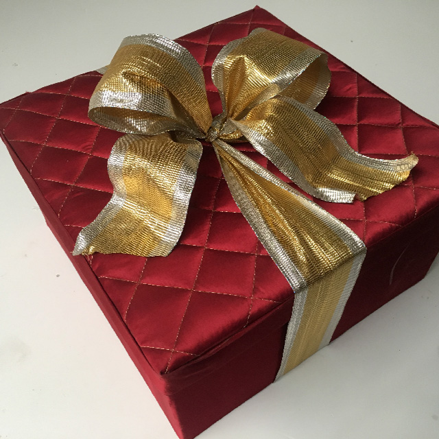 BOX0100 BOX, Dark Red Quilted Gift Box w Ribbon $15