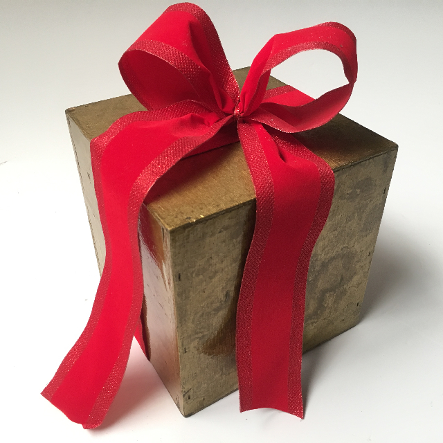 BOX0101 BOX, Gold Shellac Gift Box w Red Bow $15