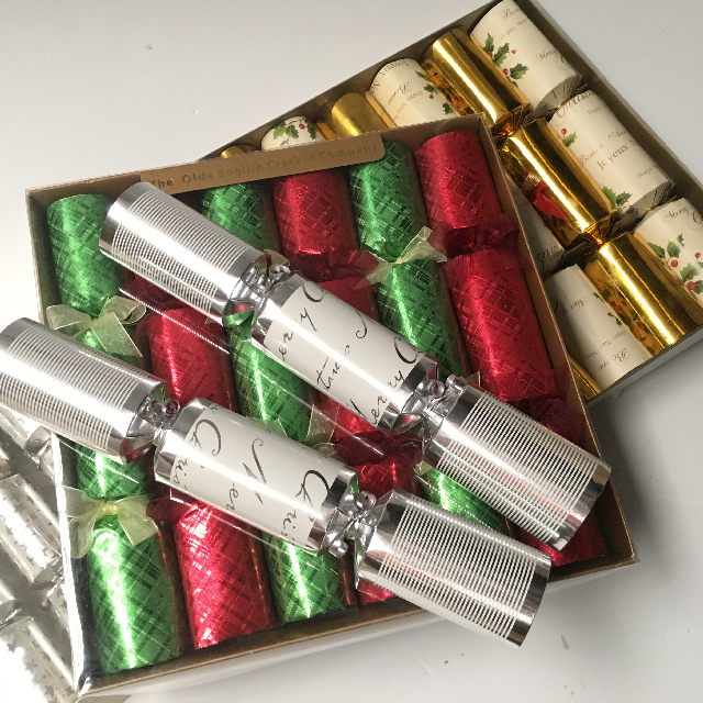 CHR0054 CHRISTMAS TABLEWARE, Crackers or Bon Bons $1