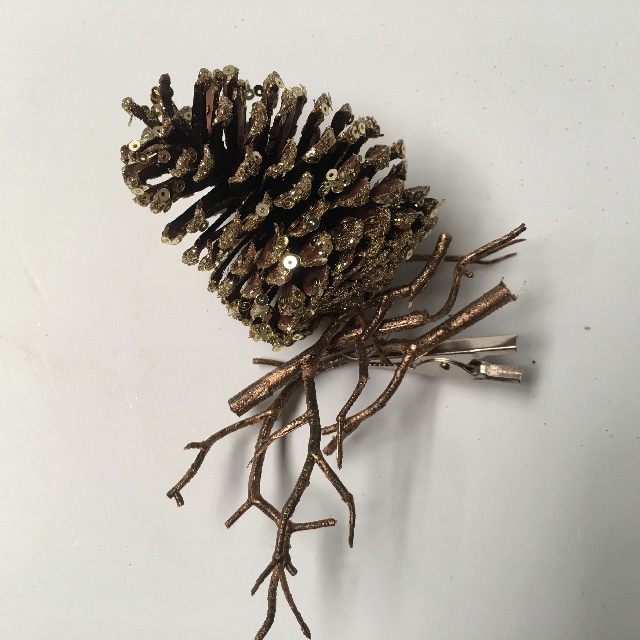 PIC0020 PICK, Pine Cone - Gold Glitter On Twig $1.25