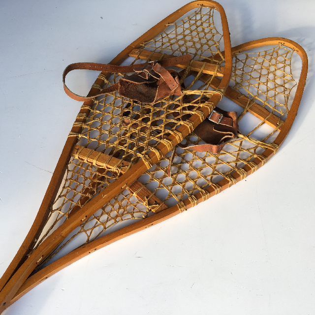 SNO0011 SNOW SHOES, Vintage Timber Pair $37.50