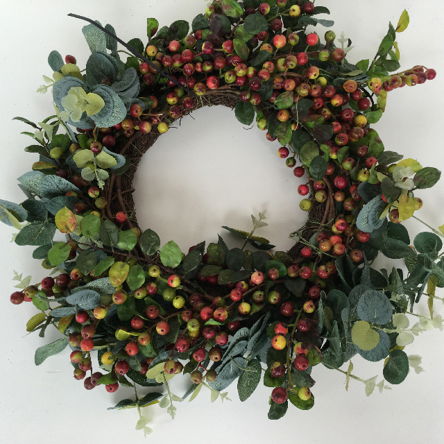 WRE0002 WREATH, Gum Leaves and Berries $18.75