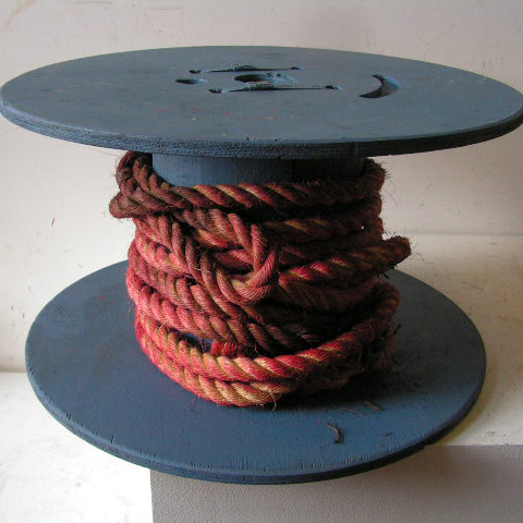 SPO0001 SPOOL / COTTON REEL (Oversize) Blue w Red Rope 60x33cm high $30