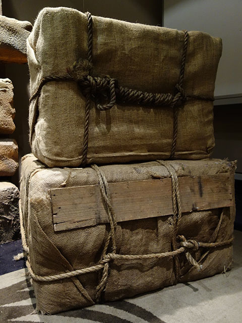 CRA0021 CRATE, Hessian Covered with Rope Detail, Ex Large $30
