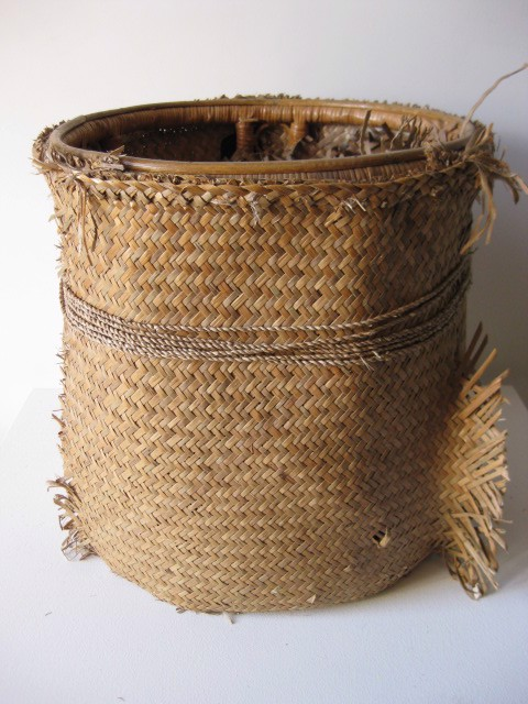 BAS0001 BASKET, Barrel Style w Woven Matting Outer $20