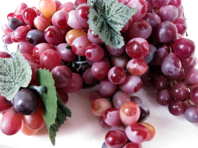 FRU0012 FRUIT, Artificial - Grapes Red Bunch $2