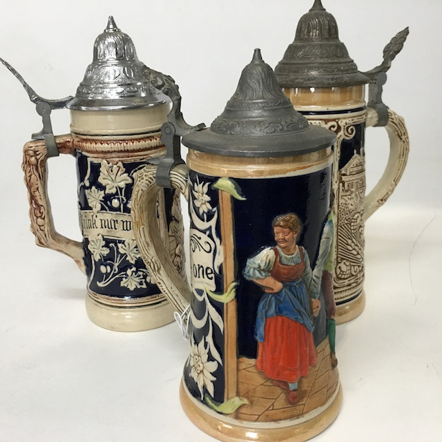 BEE0008 BEER STEIN, German Style w Lid $6.25