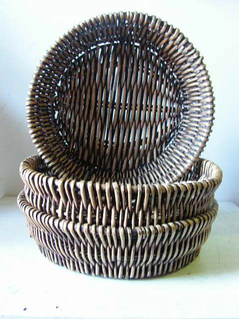 BAS0083 BASKET, Shallow Medium Round Dark Stain 38cm D 10cm H $10