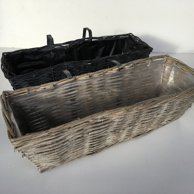 BAS0043 BASKET, Wicker Window Box $10