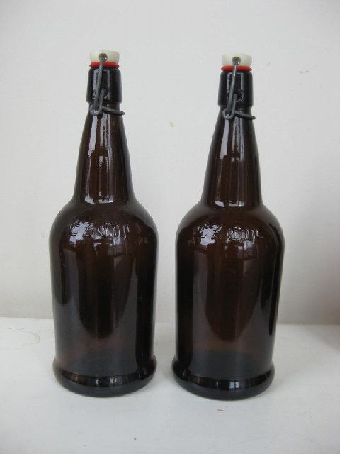 BOT0037 BOTTLE, Large Brown Glass w Stopper $4.50