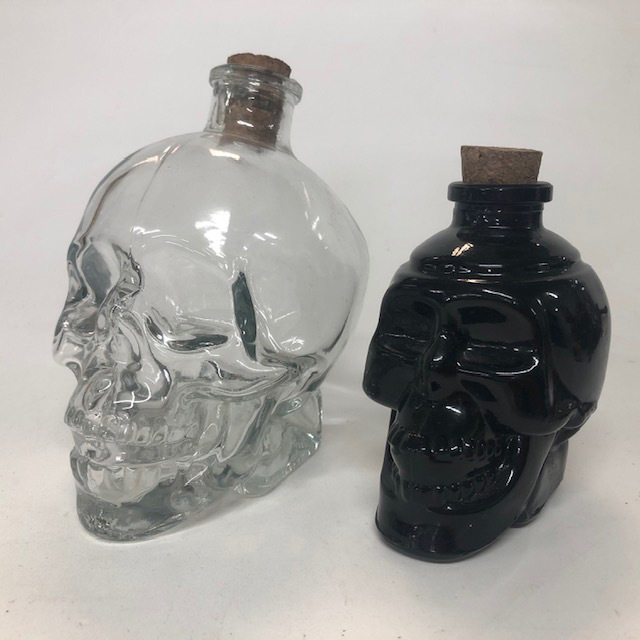 BOT0103 BOTTLE, Glass Skull w Cork $3.75