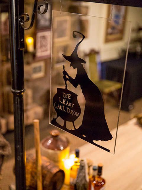 SIG0602 SIGN, Harry Potter Leaky Cauldron Acrylic $37.50