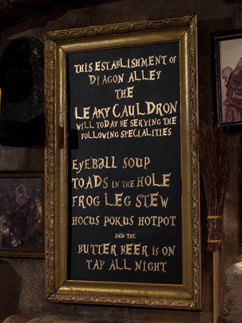 SIG0604 SIGN, Harry Potter Leaky Cauldron Blackboard $37.50