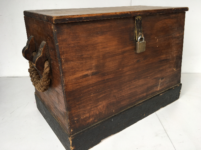 CHE0104 CHEST, Large Timber w Rope Handles 80x36x58cm H $87.50