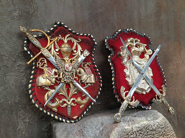 COA0060 COAT OF ARMS, Small w Red Background $12.50