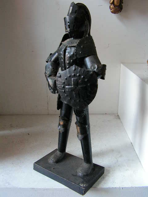 STA0001 STATUE, Knight in Armour - 55cm High Replica $11.25