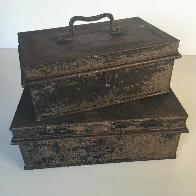 CAS0001 CASH BOX, Aged Black Metal w Handle $15