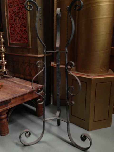 STA0103 STAND, Wrought Iron (for Pot or Cauldron) $25