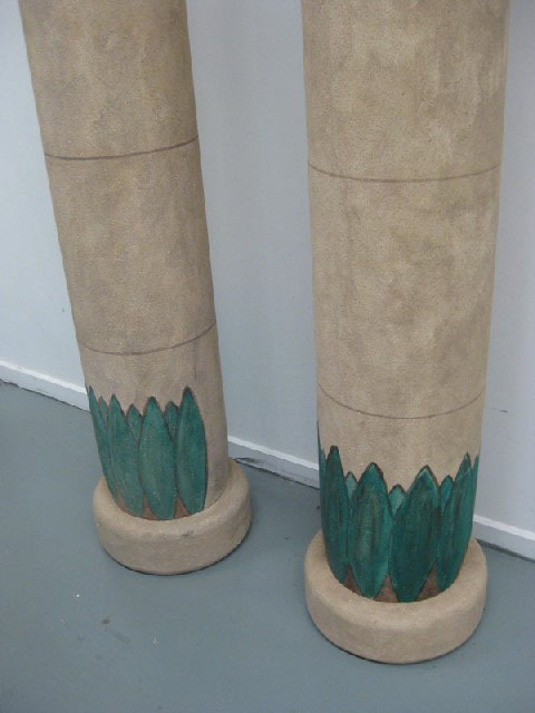 Columns x 4, Egytian columns 2.6m high, bottom detail, styrene