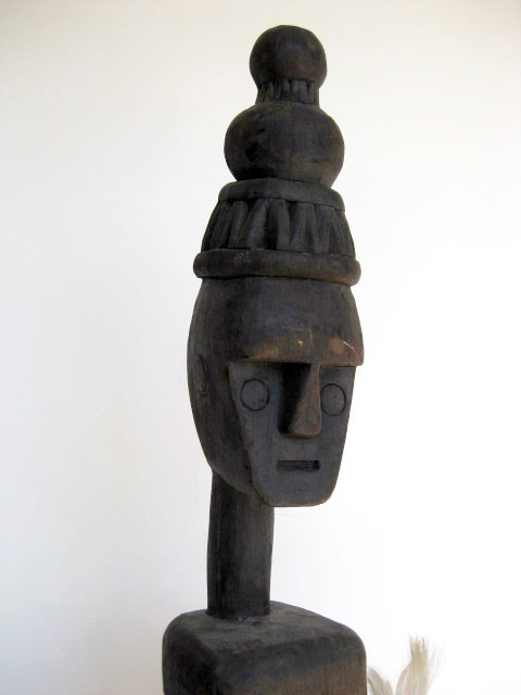 Tribal sculpture - wooden (1)