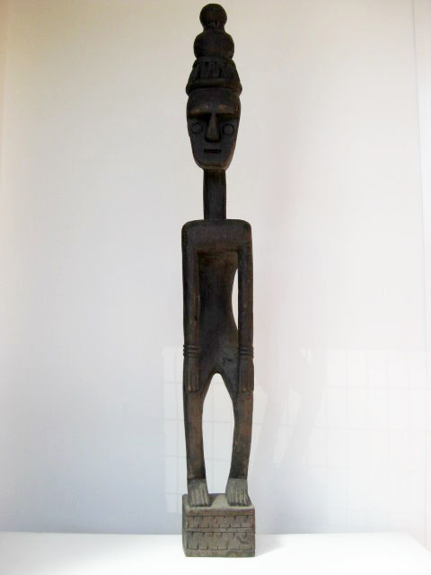 Tribal sculpture - wooden (2)