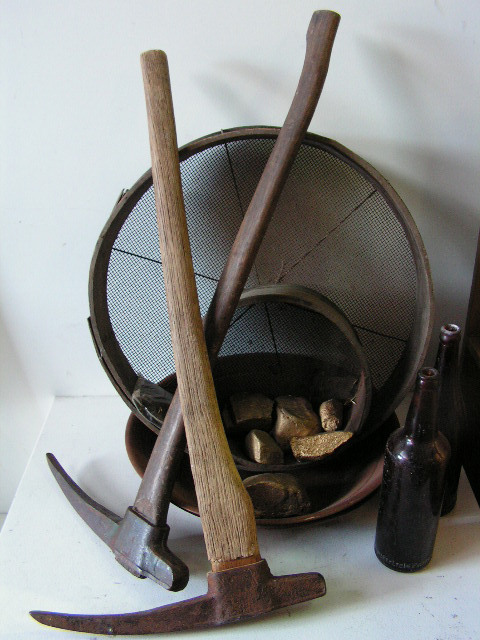 Assorted Prospector Tools