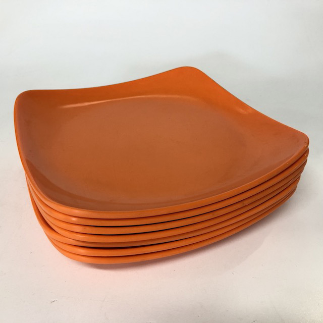 PIC0007 PICNICWARE, Plastic Plate - Orange Square $2.50