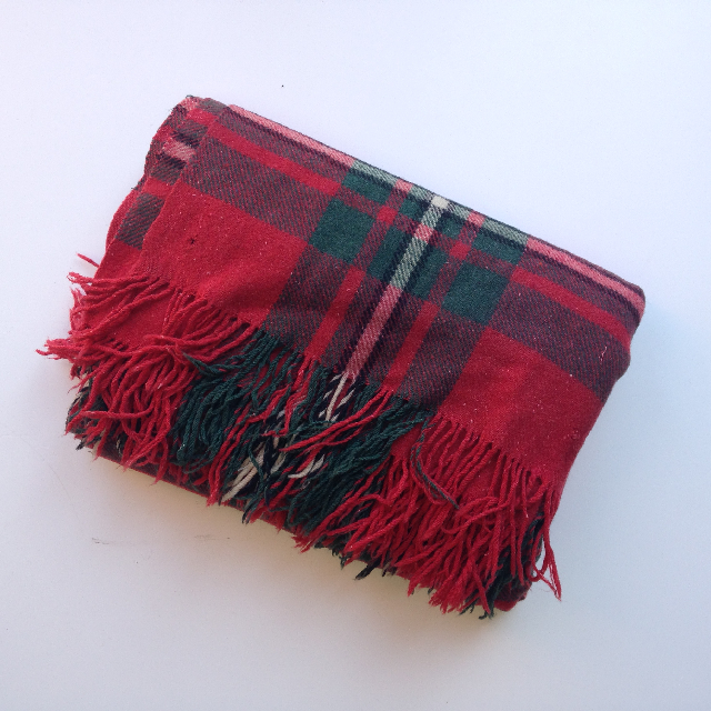 BLA0121 BLANKET, Picnic - Red & Green Wool (ripped) $10