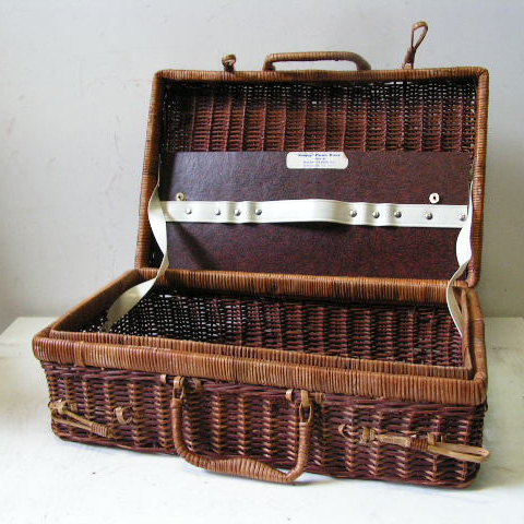 BAS0051 BASKET, Picnic - Stained Wicker Case $10