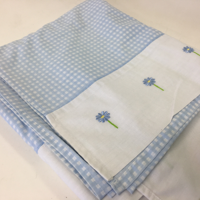 TAB0133 TABLECLOTH, Light Blue & White Gingham w Flower Border $7.50