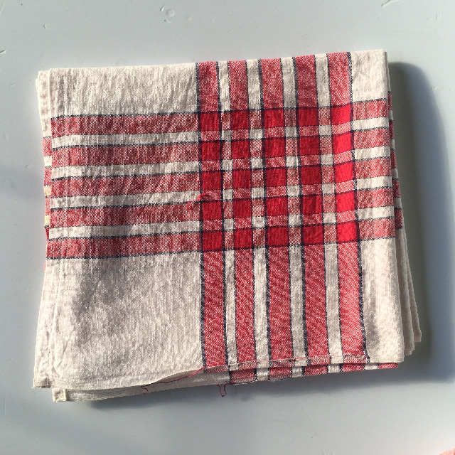 TAB0134 TABLECLOTH, White w Red Cross Check $7.50
