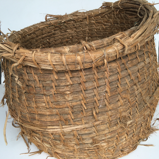 BAS0020 BASKET, Extra Large Woven No Base $22.50