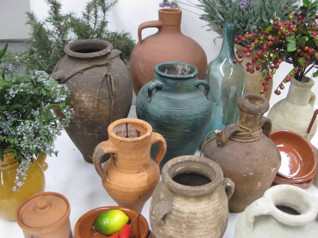 Stoneware pots assorted