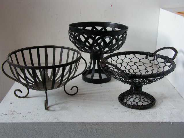 Fruit bowls - assorted metal and wire