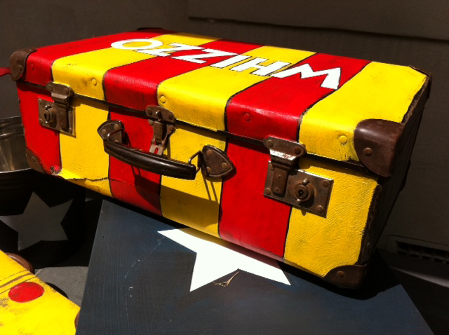 Suitcase (says Whizzo), perfect Spanish stripes!