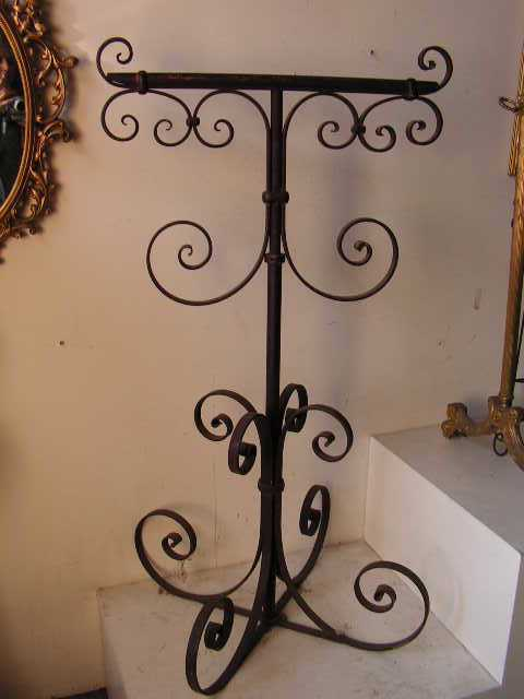 Wrought iron parrot/bird stand, adjustable height