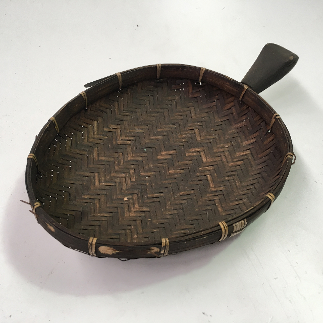 TRA0054 TRAY, Rustic Woven w Wooden Handle $6.25