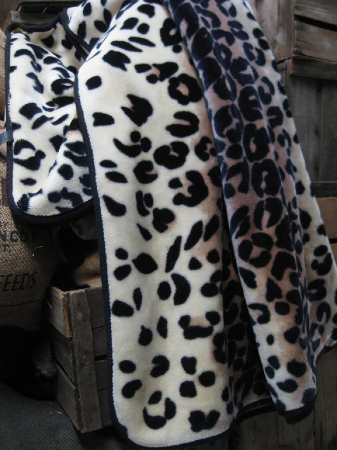 THR0002 THROW, Leopard Print $12.50