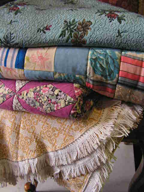 Assorted Country Style Blankets & Throws