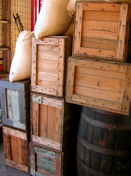 BAR0003 BARREL, Large - 90cm high $37.50 (pictured with Crates)
