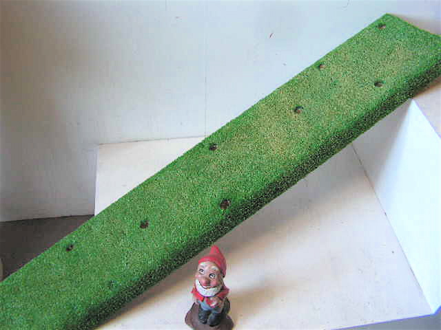 LOL0101 LOLLIPOP STAND, Faux Grass - 23cm x 1.2m (Fits 10) $22.50